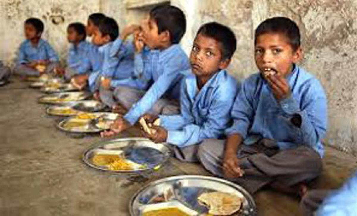 Enrolment rate lowers in midday meal schools: CAG