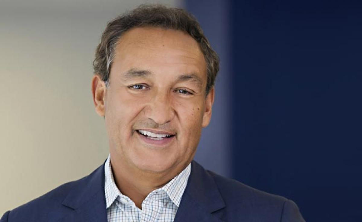 United Airlines CEO Oscar Munoz Says He Wont Resign