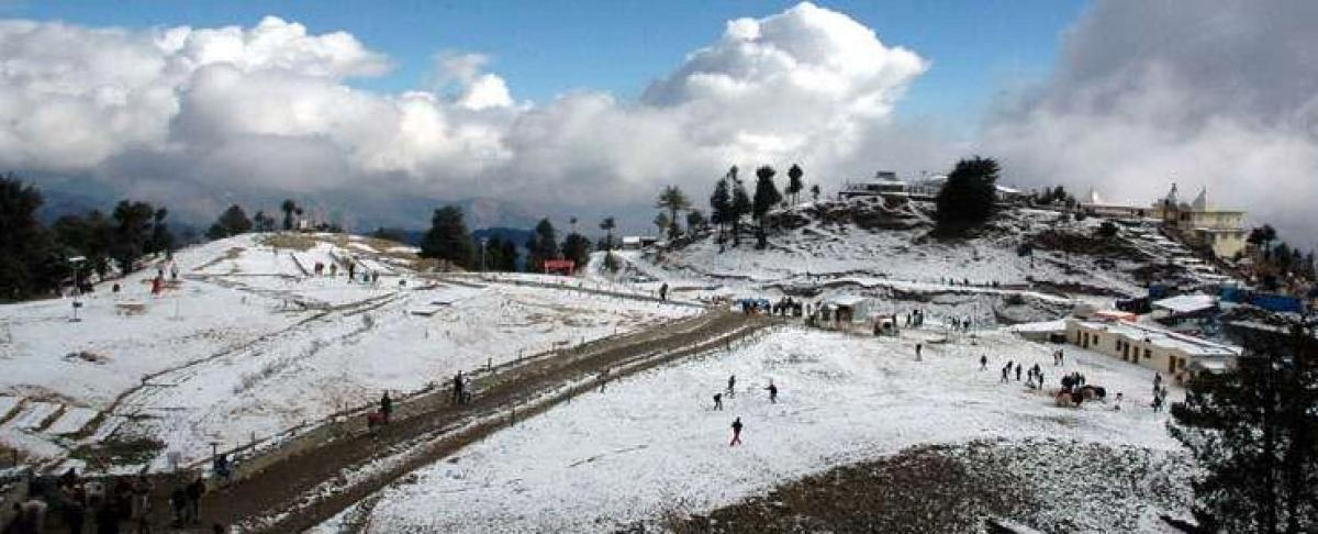 Solang Valley bereft of snow cover disappoint skiers