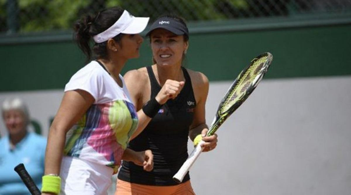 Mirza in Paribas Open quarters, Paes crashes out