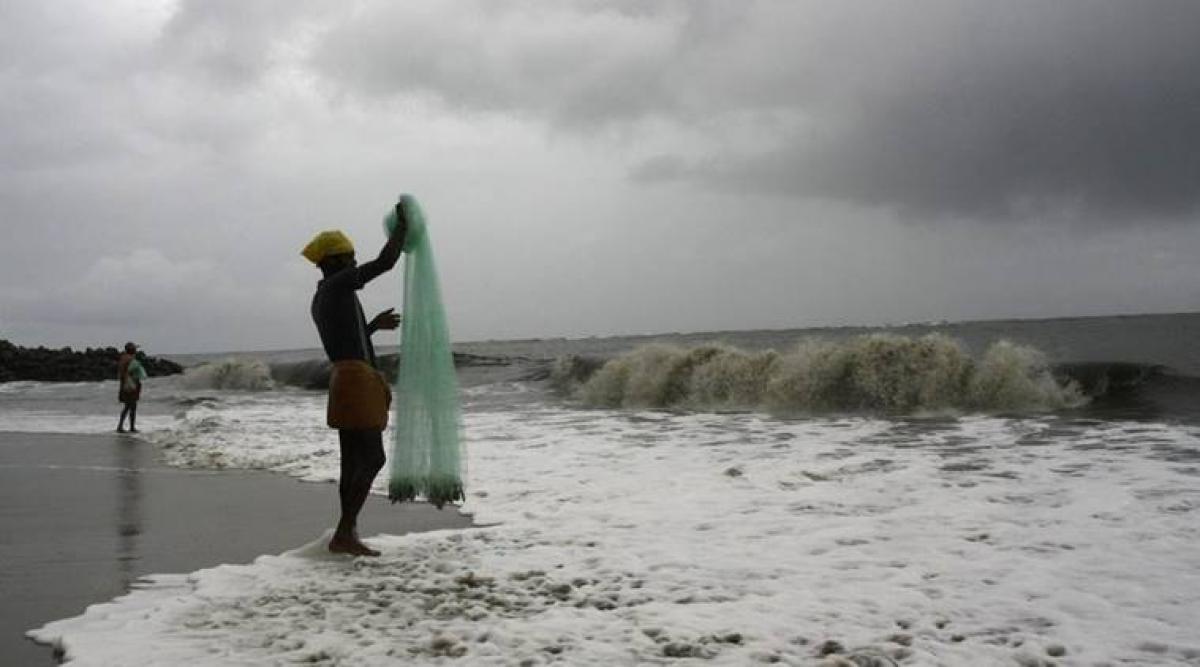 24 Indian fishermen arrested by Sri Lankan Navy