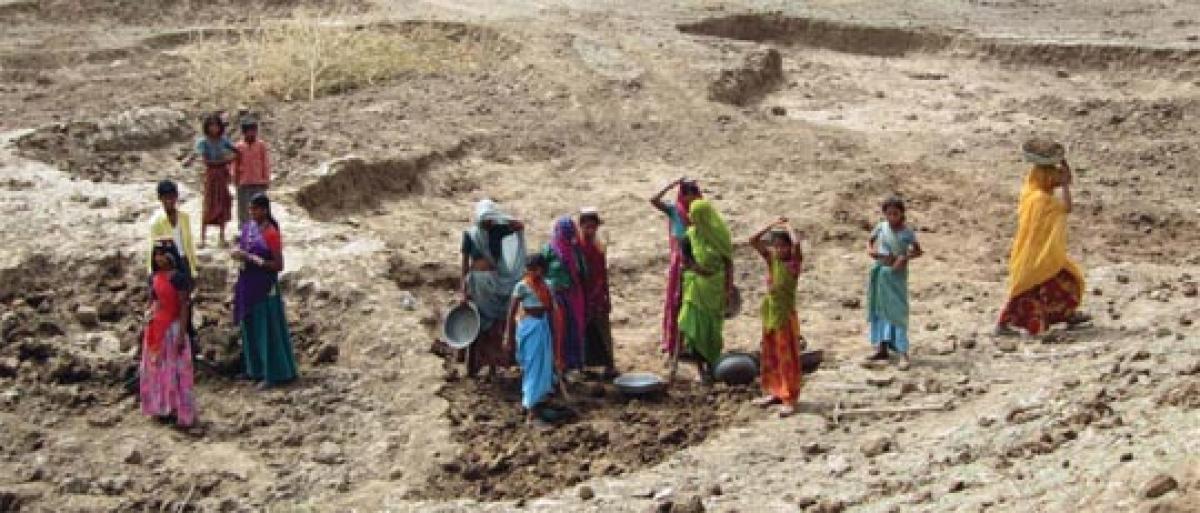 MGNREGS workers besiege MPDO office