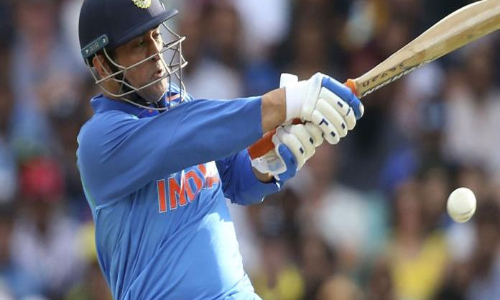 India vs Australia: Gavaskar, Karthik react to MS Dhoni