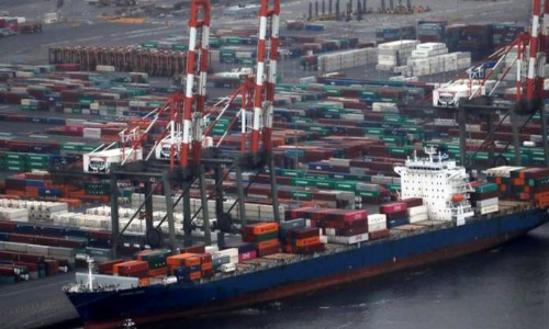 Global shipping rates slump in latest sign of economic slowdown