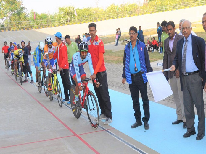 Jeetharam, Raju win gold on inaugural day
