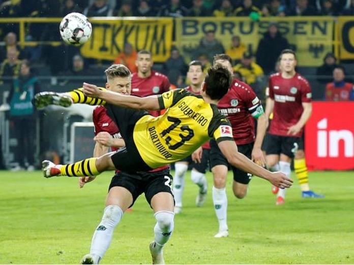 Bundesliga: Borussia Dortmund beat Hanover to go nine points clear