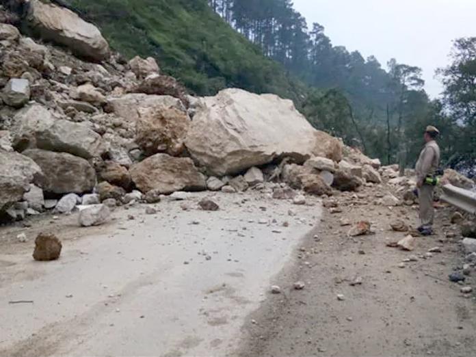 Hundreds of tourists stuck in Himachals Bir Billing landslide rescued
