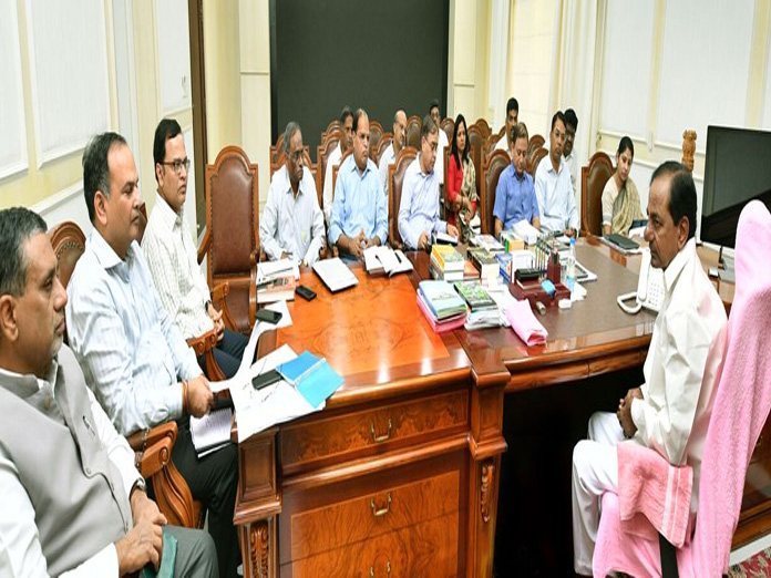 CM makes babus ready for finance panel visit