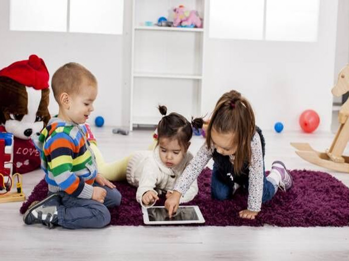 Rewarding kids with screen time as bad as sugary treats
