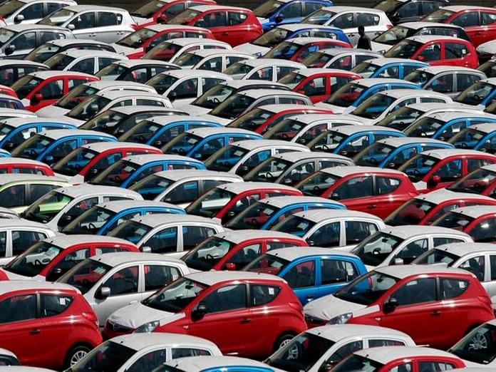 Passenger vehicle retail sales down in Apr-Dec