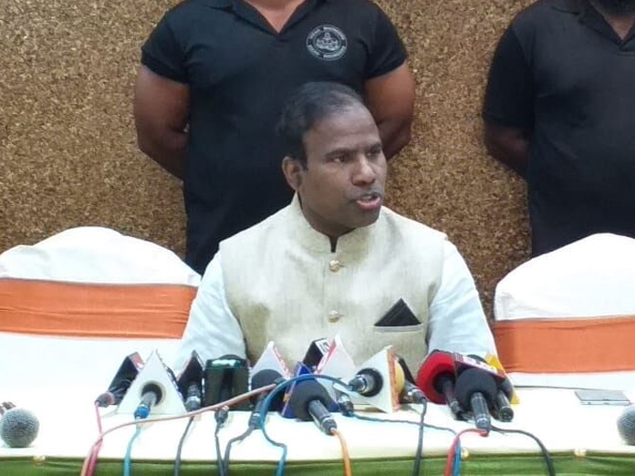 Paul faults YSRCP for backing BJP in VP election