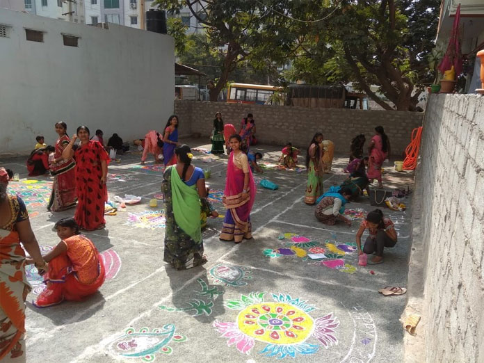 Oxford School conducts Rangoli competition