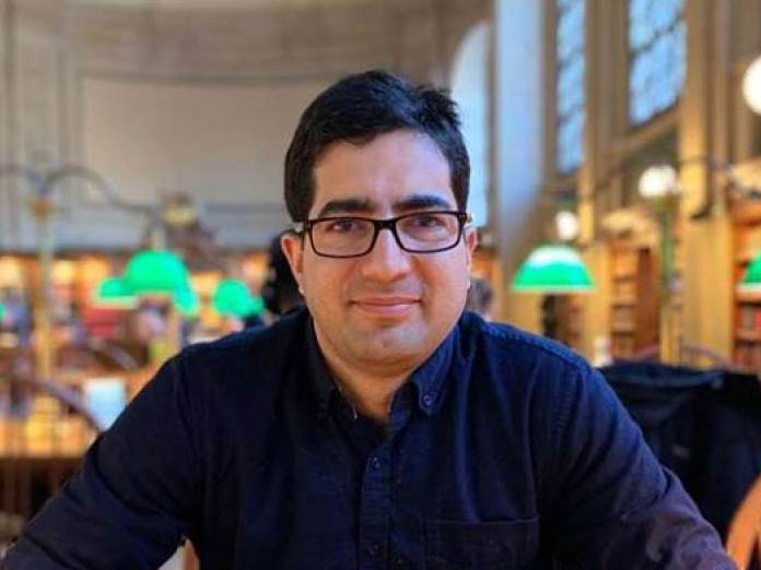 Shah Faesal launches crowdfunding campaign for clean politics in Jammu and Kashmir