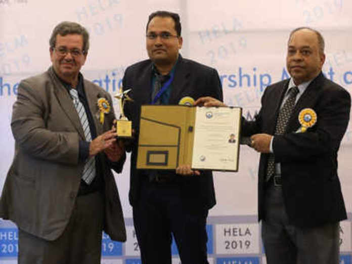 Dr Swain of SIMS group bagged the Prestigious emerging leader award