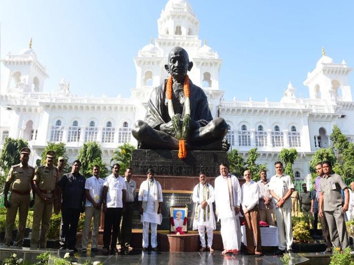Telangana pays homage to Bapu on Martyrs Day
