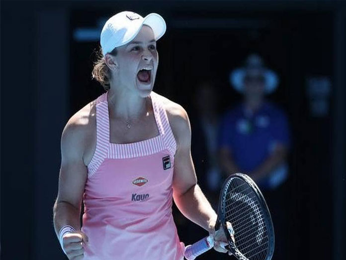 Australian Open: Sharapova defeated, Barty reaches Melbourne quarters