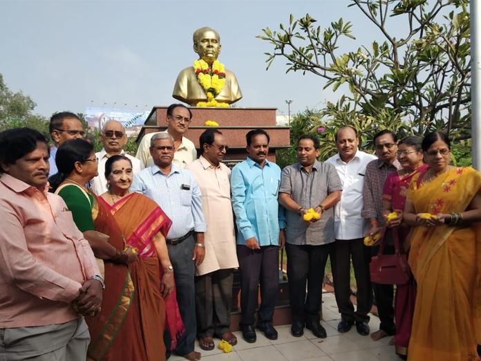 Veturi Sundararama Murthy remembered at Tumallapalli Kalakshetram in Vijayawada