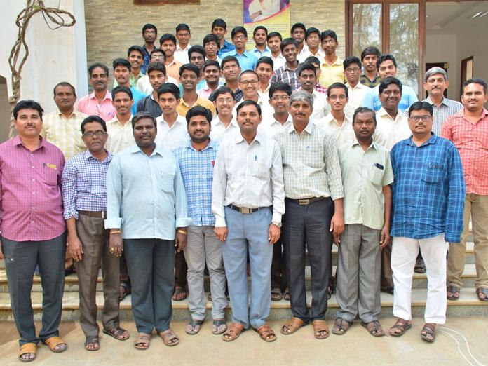 Vignan students excel in JEE in Guntur