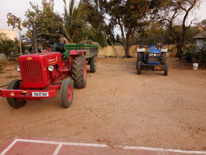 Illegal sand mining: Police seize two tractors