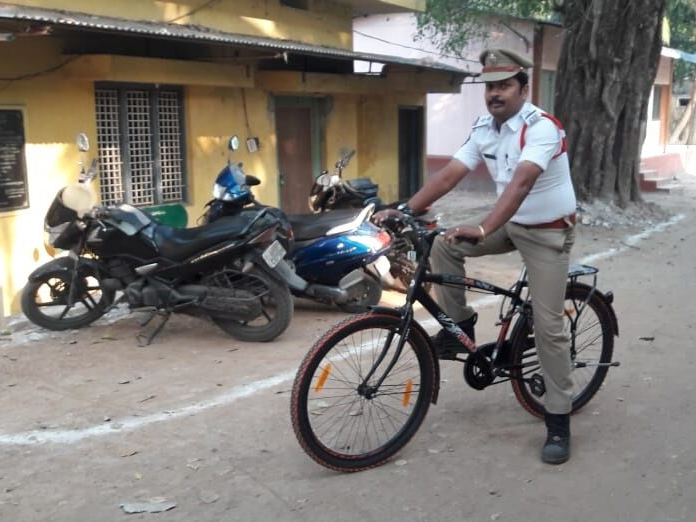 Checking pollution, traffic problems, the police way at Bhimavaram
