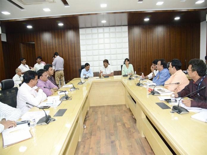 Mayor Bonthu Rammohan orders GHMC to expedite pending works