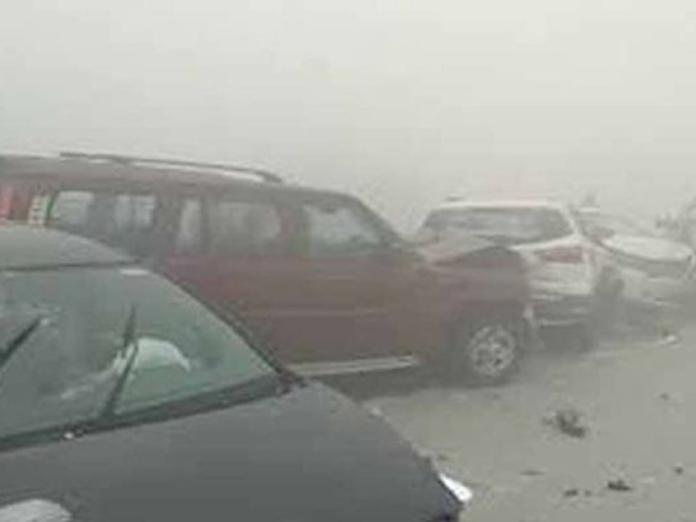 Telangana: 50 vehicles collide on Shadnagar-Kottur road due to smog