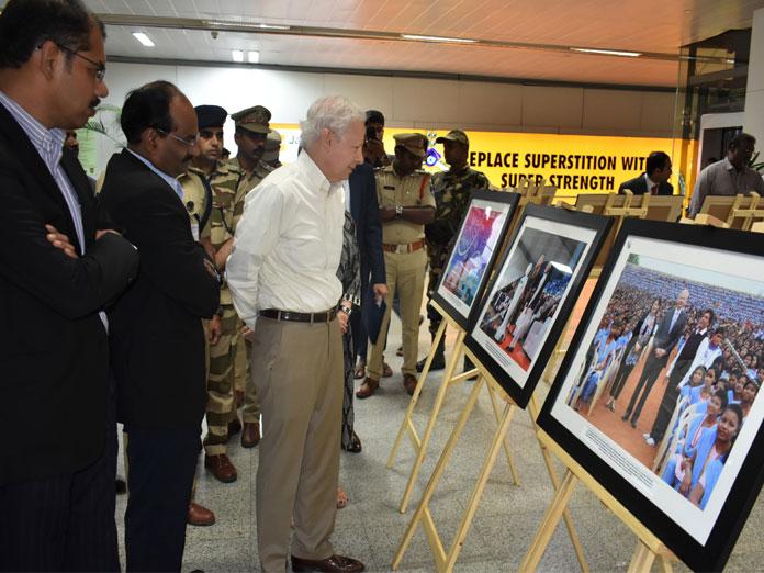 Photo exhibit on US consulate general
