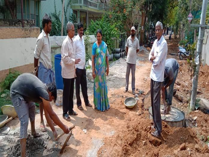 Corporator inspects drainage work