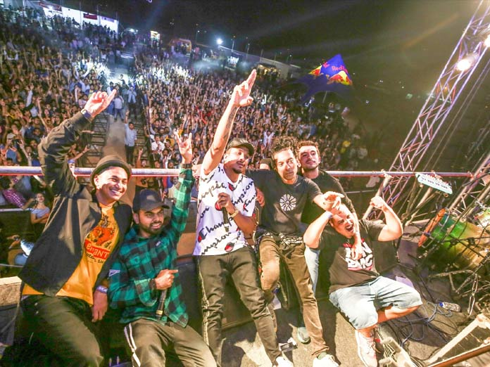 Divine and DJ KAN–i Enthral thousands at IIT Hyderabad