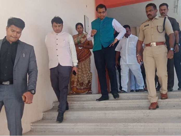 Collector PS Pradyumna inspects engg colleges to keep EVMs
