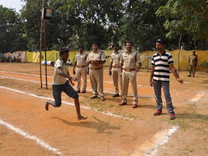 Constable recruitment physical test begins in Eluru