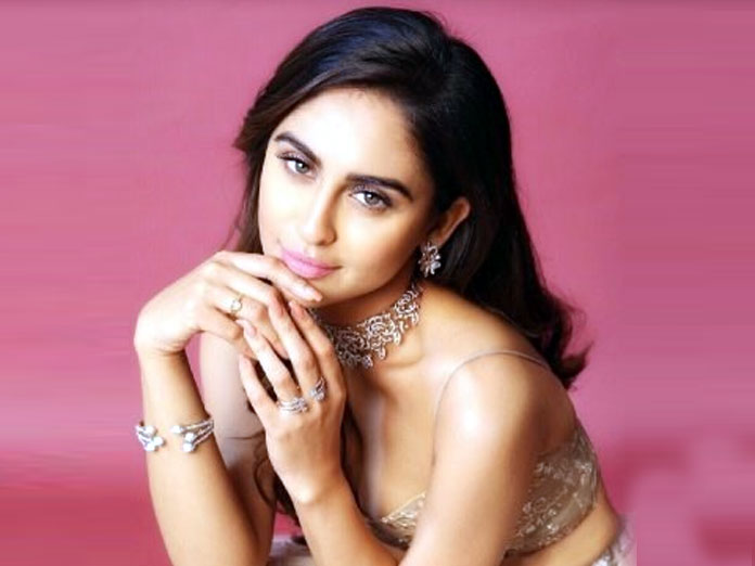 Krystle D'souza Slam A Portal For Linking Her Name With Freddy Daruwala