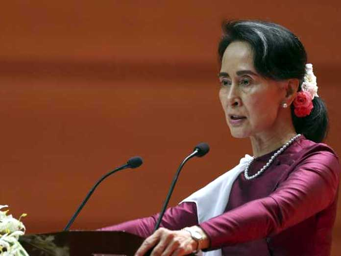 Myanmar leader Aung San Suu Kyi courts investment for strife-torn Rakhine state