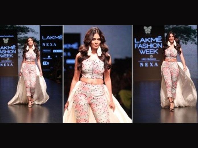 Petta Girl Malavika Mohanan Turns Show Stopper At LFW