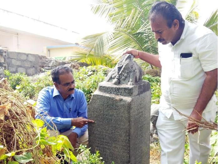 12th century inscription pillar cries for attention