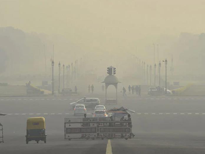 Rain worsens pollution, Delhi's air quality in 'very poor' category