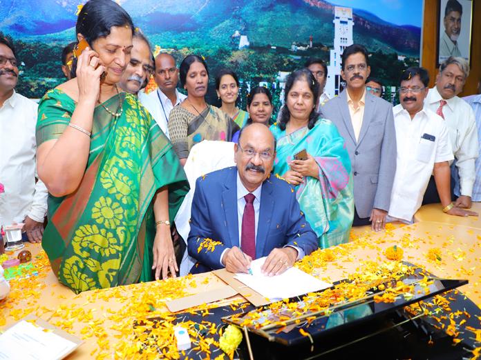 New Sri Venkateswara University V-C takes charge