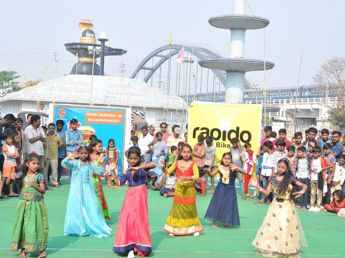 Happy Sunday events drawing huge crowds in Rajamahendravaram