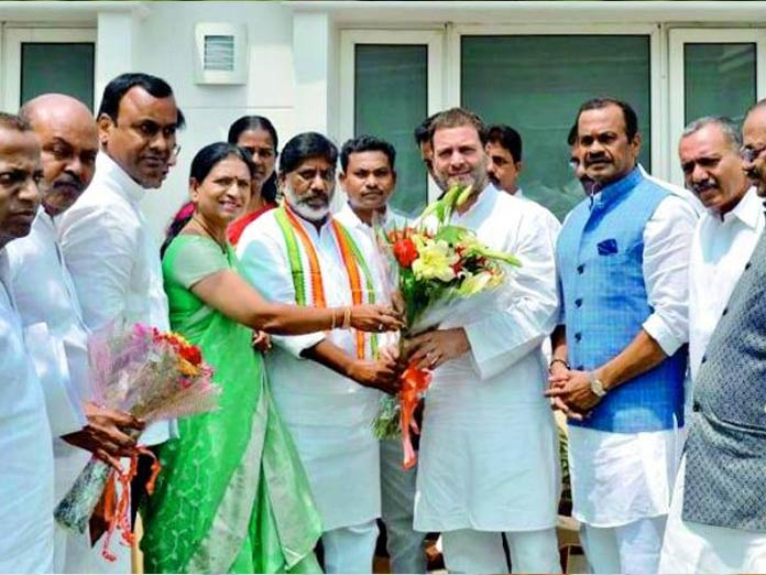 Telangana Congress leaders meet Rahul Gandhi
