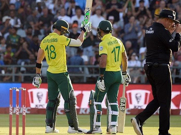 South Africa win first T20I to end Pakistan winning streak