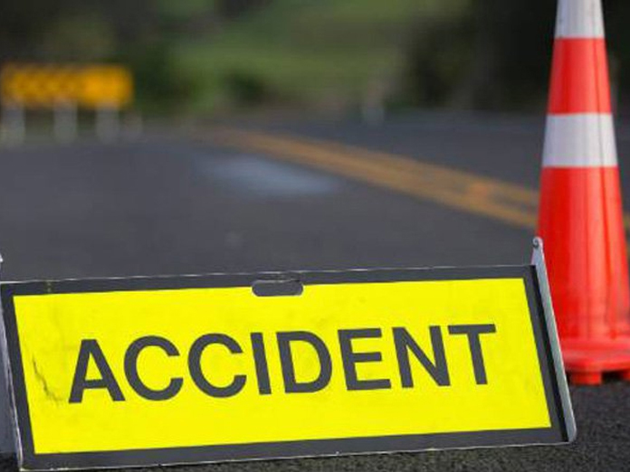 2 killed, 2 hurt in car-lorry collision in Nizamabad