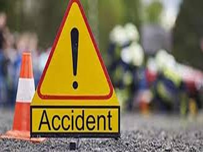 3 killed, 15 injured in road accident in UP