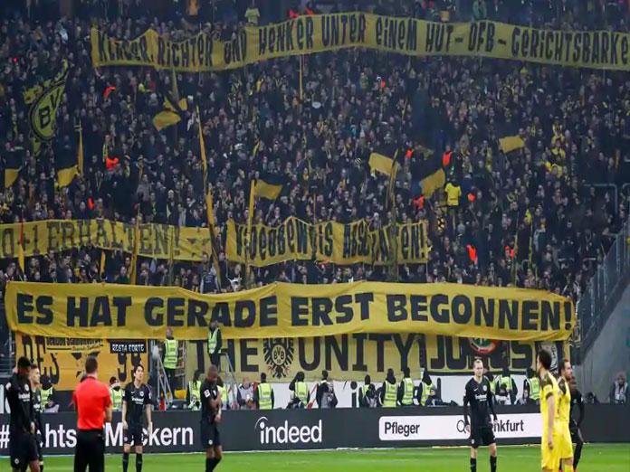 Borussia Dortmund drop points but increase lead at top as Bayern Munich slip to third in Bundesliga