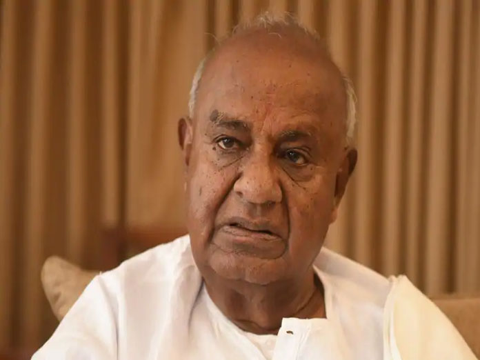 Offered to resign as MP in 2014 after PM Modi won': HD Deve Gowda