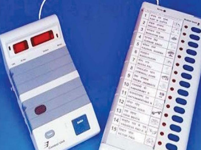 Government seeks Rs 1600 crore to pay EVM suppliers