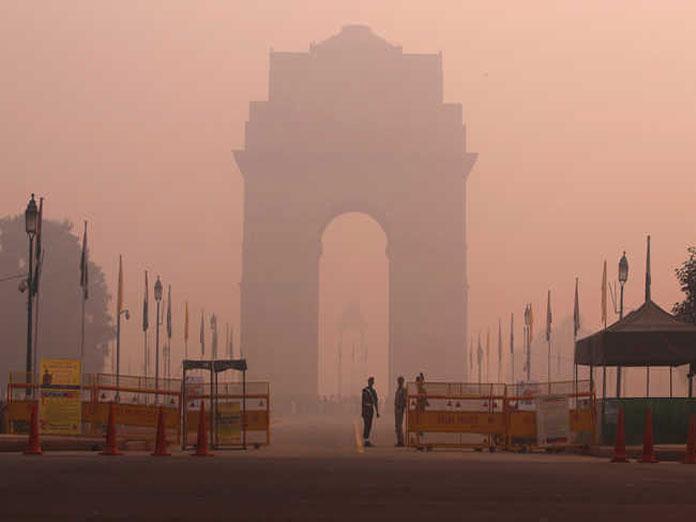 Cold morning in Delhi as mercury falls to 6.8 deg C