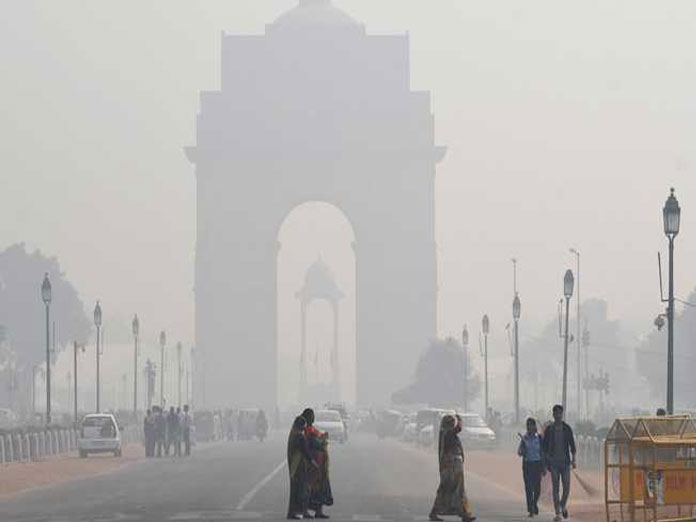 Cold, misty morning in Delhi