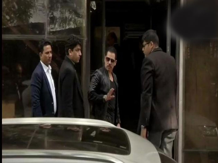 Robert Vadra reaches ED office, Jaipur for day 2 of questioning on Bikaner land case