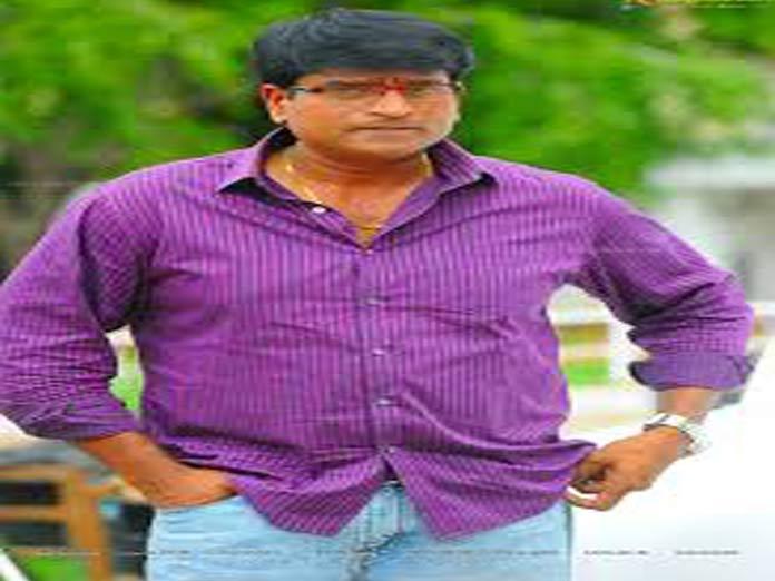 Ravi Babu making a quickie?