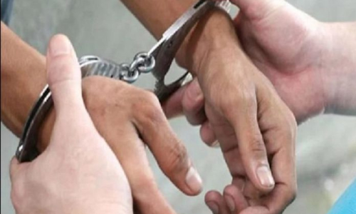 Driver, conductor held for robbing passengers